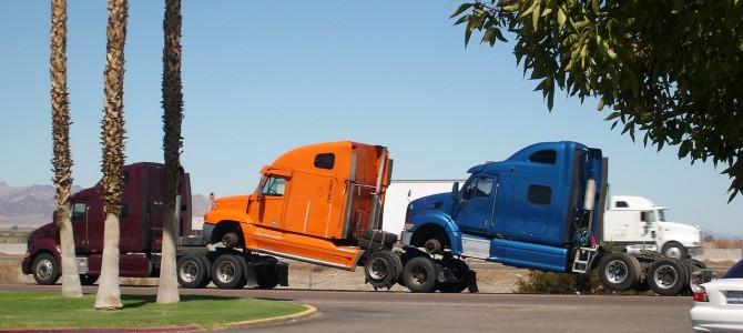 Jak wybrać właściwy transport towarowy?